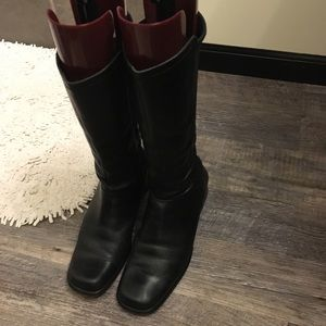 Tall black leather boots- just in time for fall!